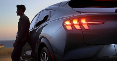 2020-electric-mustang-SUV