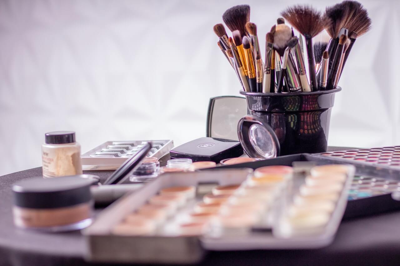top-10-brands-of-makeup-in-usa