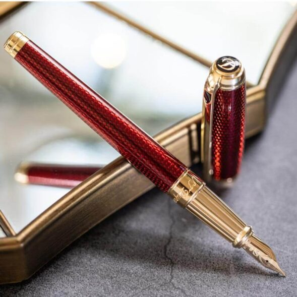 personalized-fountain-pen-valentine-day-gift